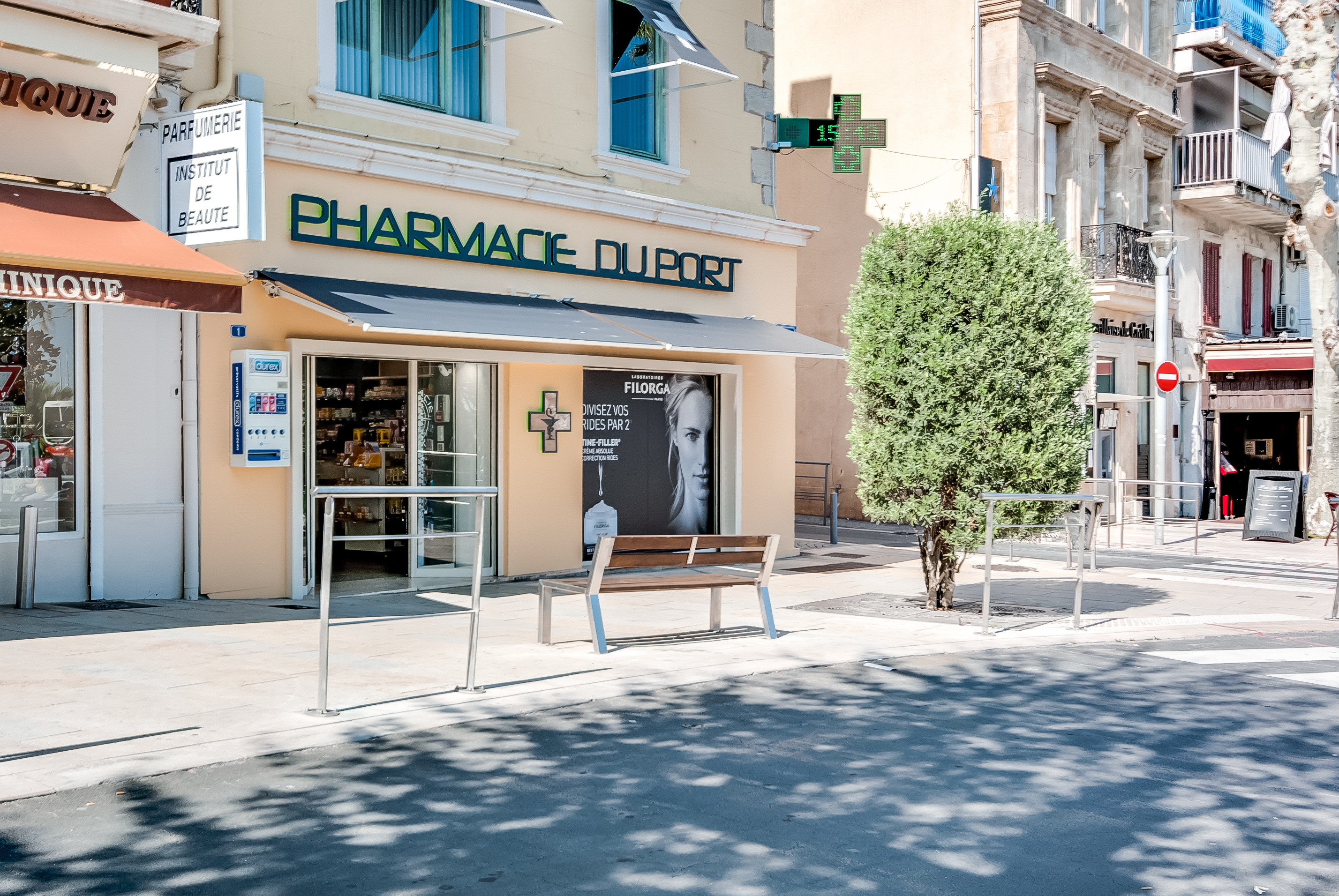PHARMACIE DU PORT – BANDOL (13)